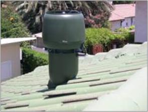 מפוח להוצאת אוויר חם מחלל הגג
