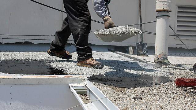בידוד תרמי לגג רעפים - חצץ