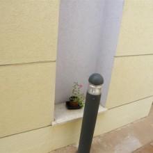 קירות חוץ עם שליכט אקרילי ופרופילי ניתוק,