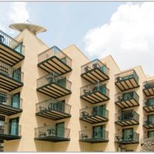 מרפסות עם לוחות במקום בטון