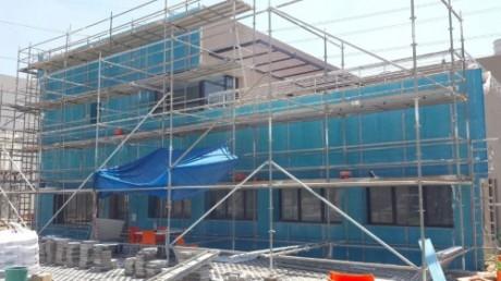 תחנת כוח דליה עם לוחות מאסטרקיר כחול