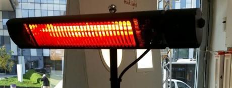 """תנור אינפרא אדום לשימוש חיצוני,מוגן מים,2000 ואט,עם שלט= 960 ש""""ח כולל מע""""מ -נכון ל 8.1.2018"""