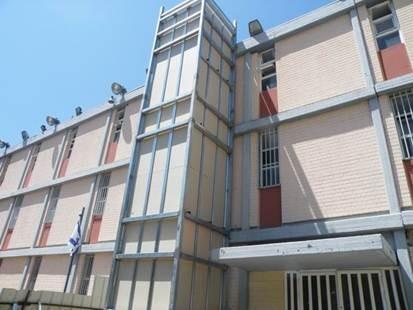 """הקמת פיר מעלית - בית ספר בבלי, ת""""א"""
